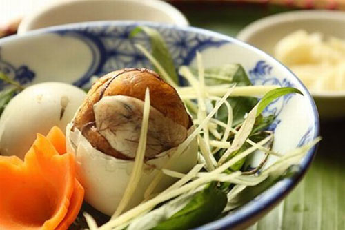Cách luộc trứng vịt lộn ngon