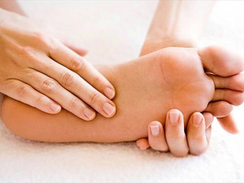 Mẹo phòng và trị cước chân tay