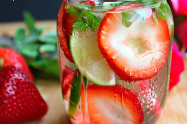 Giảm cân nhanh trong 1 tuần nhờ 3 món detox water dễ kiếm
