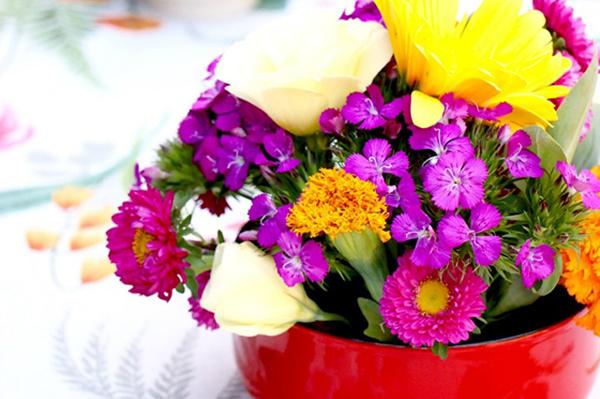 Cắm hoa kiểu lười biếng mà cũng vẫn ra đẹp