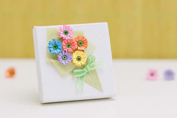 bó hoa trang trí hộp quà siêu lãng mạn