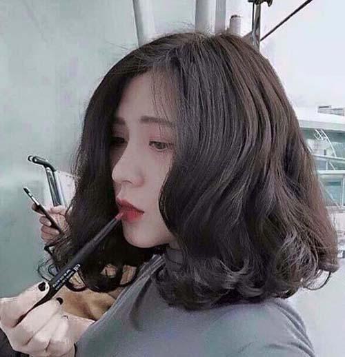tóc xoăn uốn cụp