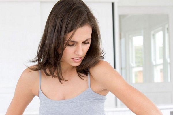 Chườm nóng giúp cơ thể thoải mái hơn và loại bỏ chứng đầy hơi cực hiệu quả