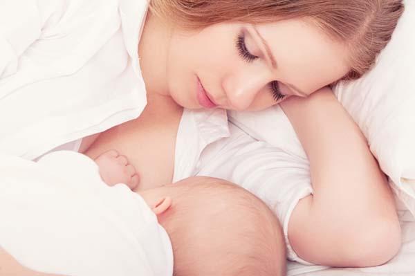 Ăn gì để có nhiều sữa nhanh nhất cho bé bú mà không tăng cân sau sinh?