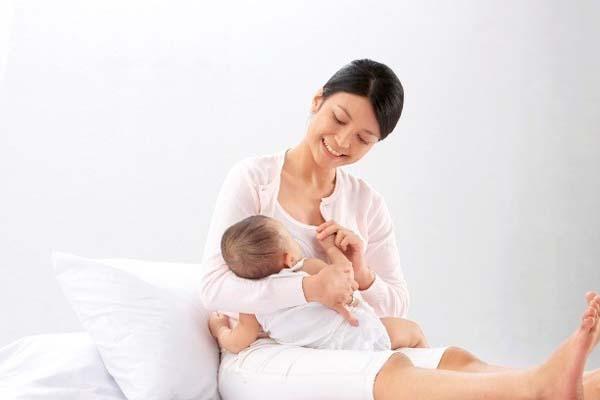 lợi ích của sữa mẹ