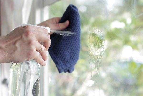 8 Cách vệ sinh cửa nhôm kính sạch sẽ