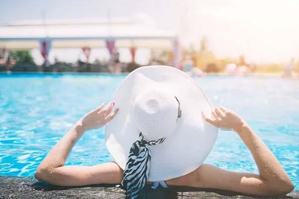 đi bơi giảm nhiệt